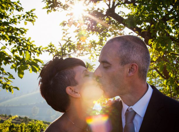 Foto matrimonio controluce - baciati dal sole
